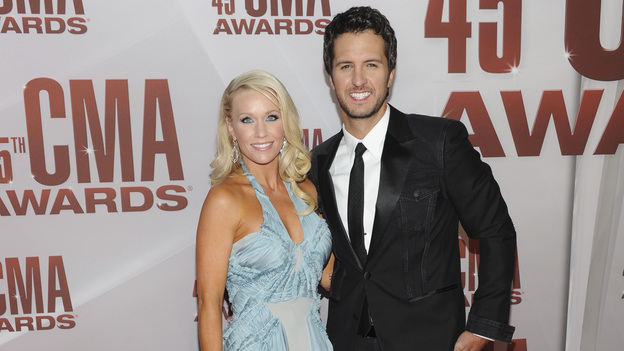 "THE 45th ANNUAL CMA AWARDS - RED CARPET ARRIVALS - ""The 45th Annual CMA Awards"" will broadcast live on ABC from the Bridgestone Arena in Nashville on WEDNESDAY, NOVEMBER 9 (8:00-11:00 p.m., ET). (ABC/JASON KEMPIN)CAROLINE BRYAN, LUKE BRYAN"