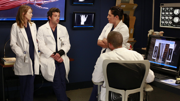 "GREY'S ANATOMY - ""Run Baby Run"" - As the rest of the doctors prepare for Bailey's wedding, Richard helps her through a bout of pre-wedding jitters. Meanwhile, Lizzie butts heads with Meredith, and Callie and Jackson try to convince Derek to participate in a risky surgery that could fix his hand, on ""Grey's Anatomy,"" THURSDAY, DECEMBER 13 (9:00-10:02 p.m., ET) on the ABC Television Network. (ABC/RON TOM)ELLEN POMPEO, PATRICK DEMPSEY, SARA RAMIREZ, JESSE WILLIAMS"
