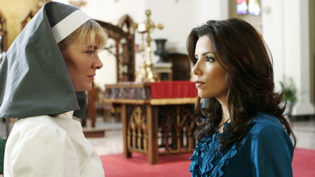 "DESPERATE HOUSEWIVES - ""There's Something About War"" - Gaby vs Sister Mary Bernard - (ABC/RON TOM) MELINDA PAGE HAMILTON, EVA LONGORIA"