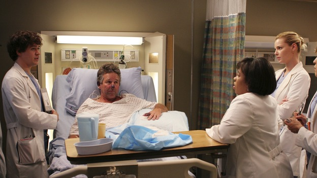"GREY'S ANATOMY - ""Owner of a Lonely Heart"" (ABC/RICHARD CARTWRIGHT)T.R. KNIGHT, TIMOTHY BOTTOMS, CHANDRA WILSON, KATHERINE HEIGL"