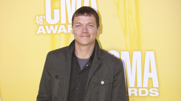 "THE 46TH ANNUAL CMA AWARDS - RED CARPET ARRIVALS - ""The 46th Annual CMA Awards"" airs live THURSDAY, NOVEMBER 1 (8:00-11:00 p.m., ET) on ABC live from the Bridgestone Arena in Nashville, Tennessee. (ABC/SARA KAUSS)BRAD ARNOLD"