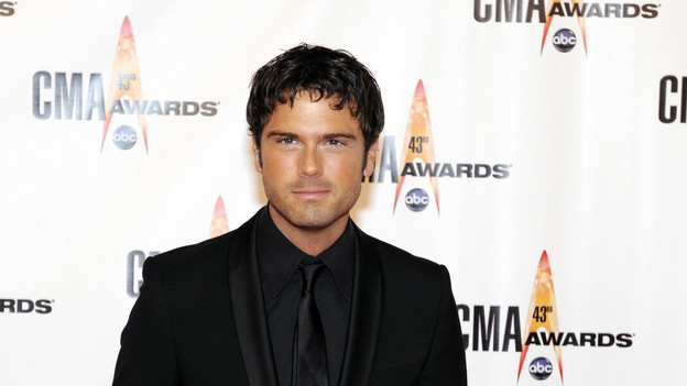 "THE 43rd ANNUAL CMA AWARDS - RED CARPET ARRIVALS - ""The 43rd Annual CMA Awards"" will be broadcast live from the Sommet Center in Nashville, WEDNESDAY, NOVEMBER 11 (8:00-11:00 p.m., ET) on the ABC Television Network. (ABC/DONNA SVENNEVIK)CHUCK WICKS"