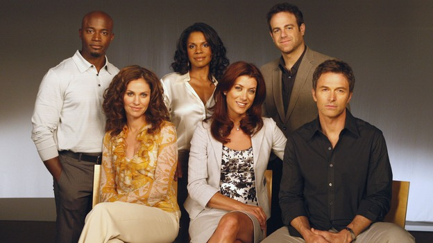 "PRIVATE PRACTICE - ""A Family Thing"" - At Oceanside Wellness, friendships are tested and secrets revealed when Addison discovers that Naomi is concealing the practice's financial problems. Meanwhile, Violet wonders what secret Cooper is keeping from her, while Cooper himself has to decide whether or not to reveal a medical secret to a patient, on the season premiere of ""Private Practice,"" WEDNESDAY, OCTOBER 1 (9:00-10:01 p.m., ET) on the ABC Television Network.  (ABC/VIVIAN ZINK)TAYE DIGGS, AMY BRENNEMAN, AUDRA McDONALD, KATE WALSH, PAUL ADELSTEIN, TIM DALY"