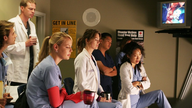 "GREY'S ANATOMY - ""Something to Talk About"" (ABC/RICHARD CARTWRIGHT)KATHERINE HEIGL, ELLEN POMPEO, SANDRA OH"