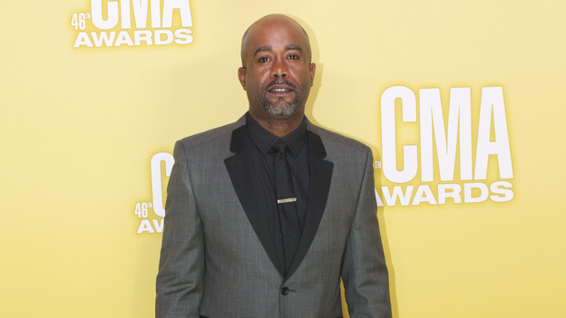 "THE 46TH ANNUAL CMA AWARDS - RED CARPET ARRIVALS - ""The 46th Annual CMA Awards"" airs live THURSDAY, NOVEMBER 1 (8:00-11:00 p.m., ET) on ABC live from the Bridgestone Arena in Nashville, Tennessee. (ABC/SARA KAUSS)DARIUS RUCKER"