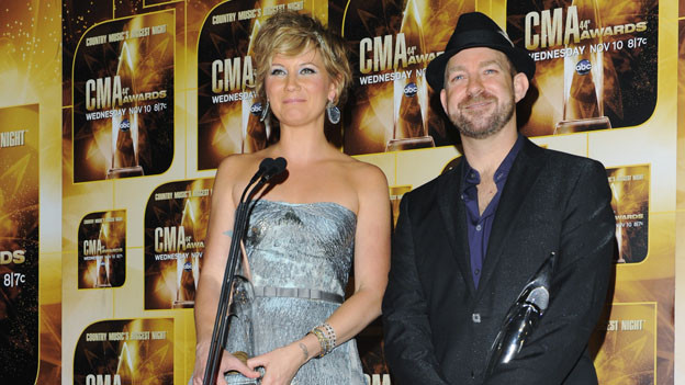 THE 44TH ANNUAL CMA AWARDS - GENERAL - &quot;The 44th Annual CMA Awards&quot; will be broadcast live from the Bridgestone Arena in Nashville, WEDNESDAY, NOVEMBER 10 (8:00-11:00 p.m., ET) on the ABC Television Network. (ABC/ANDREW WALKER)SUGARLAND