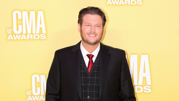 "THE 46TH ANNUAL CMA AWARDS - RED CARPET ARRIVALS - ""The 46th Annual CMA Awards"" airs live THURSDAY, NOVEMBER 1 (8:00-11:00 p.m., ET) on ABC live from the Bridgestone Arena in Nashville, Tennessee. (ABC/SARA KAUSS)BLAKE SHELTON"