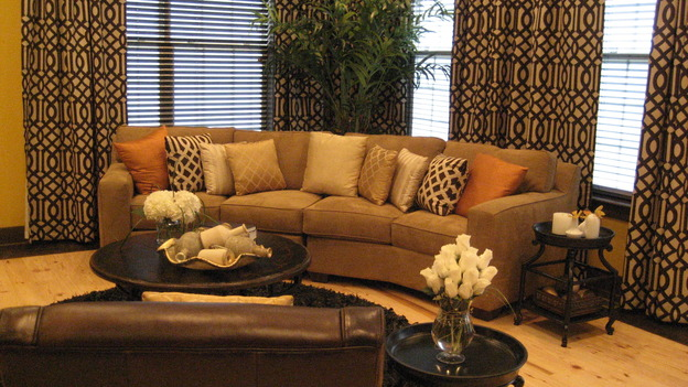 EXTREME MAKEOVER HOME EDITION - &quot;Drumm Family,&quot; - Living Room, on &quot;Extreme Makeover Home Edition,&quot; Sunday, January 18th on the ABC Television Network.