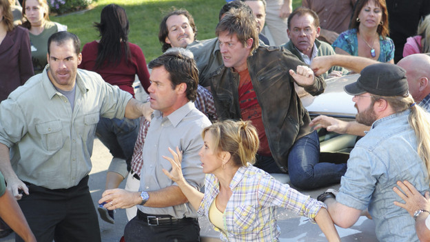 "DESPERATE HOUSEWIVES - ""Down the Block There's a Riot"" - Paul's nefarious plan for Wisteria Lane is put into full effect, Juanita discovers Gaby's secret, Bree invites Keith to move in with her, and Tom is confronted about his past indiscretion with Renee, on ""Desperate Housewives,"" SUNDAY, DECEMBER 12 (9:00-10:01 p.m., ET) on the ABC Television Network. (ABC/CRAIG SJODIN)TUC WATKINS, KEVIN RAHM, FELICITY HUFFMAN"