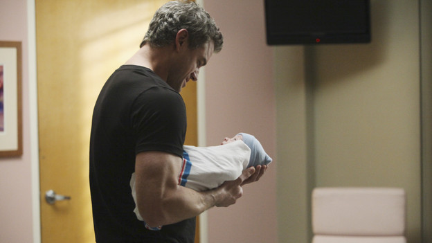 "GREY'S ANATOMY - ""Hook, Line and Sinner"" - Sloan returns to Mark's apartment, just as she's going into labor, and Teddy, Mark and the still-fighting Callie and Arizona are there to help with the birth and to get Mark through his grandson's pending adoption. Meanwhile Teddy sees Derek's invitation to illustrious cardiothoracic surgeon Tom Evans' as a threat to her future employment at the hospital, and the team work on a crab boat captain who has been stabbed with a giant shark hook, on ""Grey's Anatomy,"" THURSDAY, APRIL 29 (9:00-10:01 p.m., ET) on the ABC Television Network. (ABC/DANNY FELD) ERIC DANE"