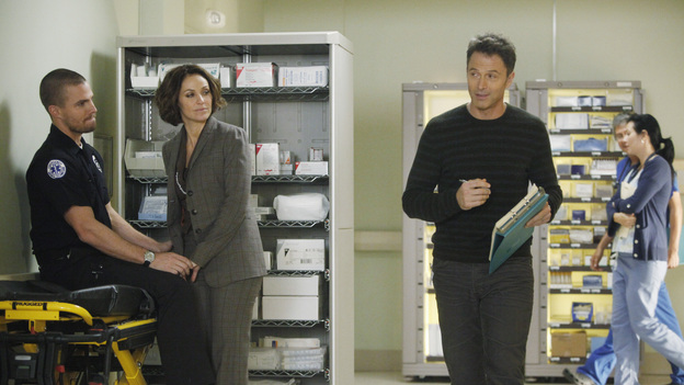 "PRIVATE PRACTICE - ""Too Much"" - Sam finds his estranged sister, Corinne, in jail, heavily medicated and near-catatonic, and brings her to Sheldon for help; Erica begins secret treatments for her cancer and refuses to let Cooper and Charlotte tell Mason; Cooper, Pete and Addison treat the baby of a drug addict; and things between Violet and Scott continue to heat up in the bedroom, ""on ABC's ""Private Practice"" THURSDAY, FEBRUARY 9 (10:02-11:00 p.m., ET) on the ABC Television Network. (ABC/VIVIAN ZINK)STEPHEN AMELL, AMY BRENNEMAN, TIM DALY"