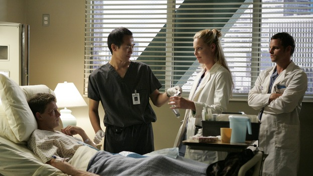 103276_6732 -- GREY'S ANATOMY - &quot;ENOUGH IS ENOUGH&quot; (ABC/CRAIG SJODIN)LUKAS BEHNKEN, KATHERINE HEIGL, JUSTIN CHAMBERS