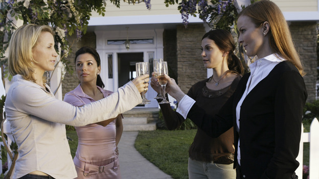 DESPERATE HOUSEWIVES -  (ABC/PETER &quot;HOPPER&quot; STONE) FELICITY HUFFMAN, EVA LONGORIA, TERI HATCHER, MARCIA CROSS