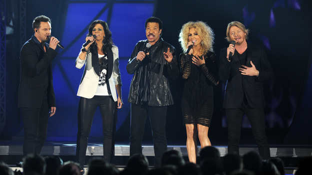 "THE 45th ANNUAL CMA AWARDS - THEATRE - ""The 45th Annual CMA Awards"" broadcast live on ABC from the Bridgestone Arena in Nashville on WEDNESDAY, NOVEMBER 9 (8:00-11:00 p.m., ET). (ABC/KATHERINE BOMBOY-THORNTON)LITTLE BIG TOWN, LIONEL RICHIE"