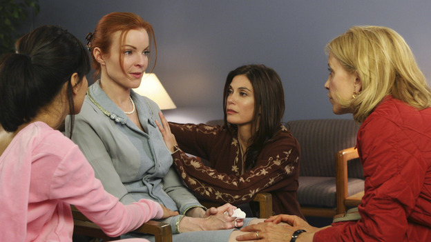 "DESPERATE HOUSEWIVES - ""One Wonderful Day"" - It's a not-so-wonderful day in the neighborhood, as past actions come back to haunt the men and women of Wisteria Lane. Meanwhile, the ladies get a new neighbor (Emmy winner Alfre Woodard as Betty Applewhite), on ""Desperate Housewives,"" SUNDAY, MAY 22 (9:00-10:02 p.m., ET), on the ABC Television Network. (ABC/DANNY FELD) EVA LONGORIA, MARCIA CROSS, TERI HATCHER, FELICITY HUFFMAN"