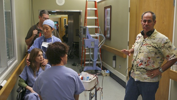 "GREY'S ANATOMY - ""INTO YOU LIKE A TRAIN"" (ABC/MICHAEL DESMOND)ELLEN POMPEO, SANDRA OH, T.R. KNIGHT - BEHIND THE SCENES"