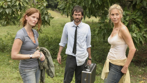 "LOST - ""The Economist"" - Locke's hostage may be the key to getting off the island, so Sayid and Kate go in search of their fellow castaway in an attempt to negotiate a peaceful deal, on ""Lost,"" THURSDAY, FEBRUARY 14 (9:00-10:02 p.m., ET) on the ABC Television Network. (ABC/MARIO PEREZ)REBECCA MADER, JEREMY DAVIES, ELIZABETH MITCHELL"