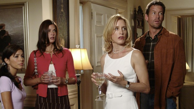 "DESPERATE HOUSEWIVES - ""PRETTY LITTLE PICTURE"" (ABC/DANNY FELD)EVA LONGORIA, TERI HATCHER, FELICITY HUFFMAN, JAMES DENTON"