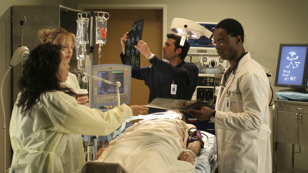 "102004_9580 -- COMPLICATIONS - ""WINNING A BATTLE, LOOSING A WAR"" (ABC/MICHAEL ANSELL)SANDRA OH, KATHERINE HEIGL, PATRICK DEMPSEY, ISAIAH WASHINGTON"