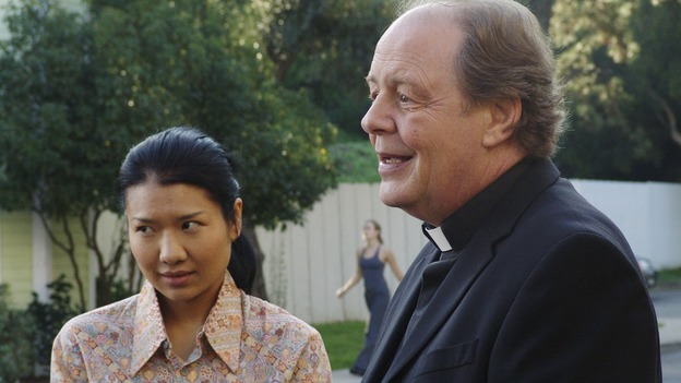 "DESPERATE HOUSEWIVES - ""Silly People"" - (ABC/DANNY FELD)GWENDOLINE YEO, JEFF DOUCETTE"