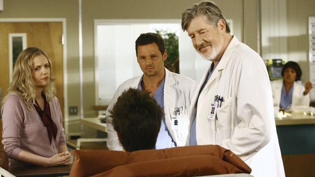 "GREY'S ANATOMY - ""Let the Truth Sting"" - The new interns are dazzled by the skill level of fellow intern George, while Lexie helps keep his ""repeater"" status a secret; Meredith half-heartedly helps Lexie with her first emergency patient; Sloan and Richard attempt a radical, new surgery to save a woman's ability to speak; and George is compelled to tell Callie of his past indiscretion with Izzie, on ""Grey's Anatomy,"" THURSDAY, OCTOBER 11 (9:00-10:01 p.m., ET) on the ABC Television Network. (ABC/SCOTT GARFIELD)EVE GORDON, MARTIN SPANJERS, JUSTIN CHAMBERS, EDWARD HERRERA"