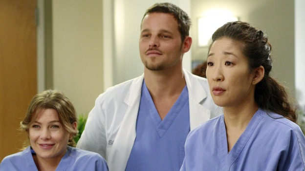 "GREY'S ANATOMY - ""Kung Fu Fighting"" - With his marriage in turmoil, the Chief turns to his fellow male surgeons for a ""gentleman's evening,"" Cristina and Izzie heatedly compete for the same surgeries and the favor of the doctor performing them, Meredith treats the survivor of a skydiving accident, and the doctors treat two injured finalists who are competing in a promotional competition, on ""Grey's Anatomy,"" THURSDAY, NOVEMBER 1 (9:00-10:07 p.m., ET) on the ABC Television Network. (ABC/RON TOM)ELLEN POMPEO, JUSTIN CHAMBERS, SANDRA OH"