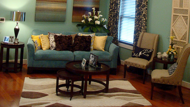 EXTREME MAKEOVER HOME EDITION - &quot;Scott Family,&quot; - Living Room, on &quot;Extreme Makeover Home Edition,&quot; Sunday, December 13th on the ABC Television Network.