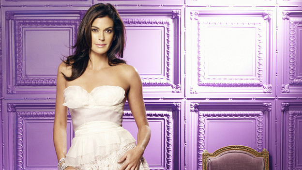 DESPERATE HOUSEWIVES - Teri Hatcher stars as Susan Mayer in the ABC Television Network's &quot;Desperate Housewives.&quot; (ABC/RANDEE ST. NICHOLAS)