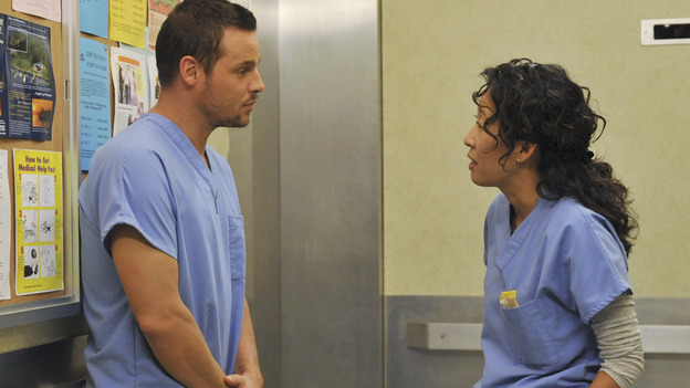 "GREY'S ANATOMY - ""Here Comes the Flood"" - Alex and Cristina talk in an elevator, on ""Grey's Anatomy,"" THURSDAY, OCTOBER 9 (9:00-10:01 p.m., ET) on the ABC Television Network. (ABC/ERIC McCANDLESS) JUSTIN CHAMBERS, SANDRA OH"