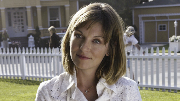 "DESPERATE HOUSEWIVES - ""PILOT"" (ABC/PETER ""HOPPER"" STONE) SHERYL LEE"