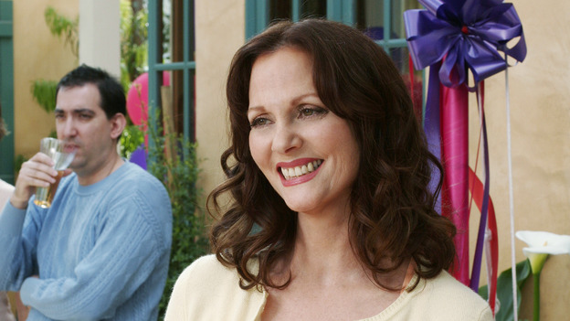 "DESPERATE HOUSEWIVES - ""FEAR NO MORE "" (ABC/RON TOM)  LESLEY ANN WARREN"