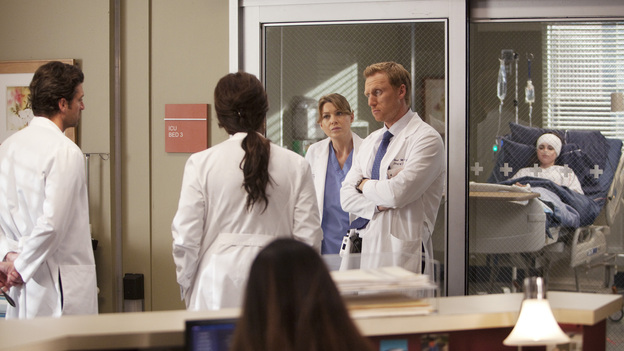 "GREY'S ANATOMY - ""The Girl with No Name"" - The doctors work on a Jane Doe, who turns out to be the subject of a case that gained national interest; Cristina proves to be the highest in demand as the residents begin their interviews for post-residency positions at prospective hospitals; and Richard is faced with an unsettling realization when he visits Adele at Rose Ridge, on ""Grey's Anatomy,"" THURSDAY, APRIL 19 (9:00-10:01 p.m., ET) on the ABC Television Network. (ABC/RANDY HOLMES)PATRICK DEMPSEY, LORRAINE TOUSSAINT, ELLEN POMPEO, KEVIN MCKIDD, VANESSA MARANO (BACKGROUND)"