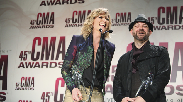 THE 45th ANNUAL CMA AWARDS - GENERAL - &quot;The 45th Annual CMA Awards&quot; broadcast live on ABC from the Bridgestone Arena in Nashville on WEDNESDAY, NOVEMBER 9 (8:00-11:00 p.m., ET). (ABC/SARA KAUSS)SUGARLAND