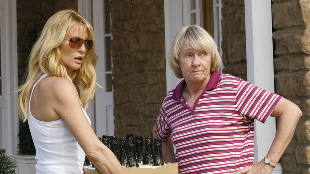 "DESPERATE HOUSEWIVES - The residents of Wisteria Lane celebrate their annual holiday block party, on ""Desperate Housewives,"" SUNDAY, NOVEMBER 26 (9:00-10:01 p.m., ET) on the ABC Television Network. (ABC/RON TOM) NICOLLETTE SHERIDAN, KATHRYN JOOSTEN"