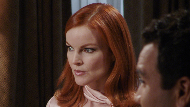 "DESPERATE HOUSEWIVES - ""PRETTY LITTLE PICTURE"" (ABC/DANNY FELD)MARCIA CROSS, RICARDO ANTONIO CHAVIRA"