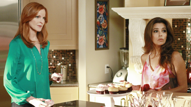DESPERATE HOUSEWIVES - &quot;Secrets That I Never Want to Know&quot; - In the season premiere episode, &quot;Secrets That I Never Want to Know,&quot; airing SUNDAY, SEPTEMBER 25 (9:00-10:01 p.m., ET) on the ABC Television Network, Susan, Gaby, Bree, Lynette and Carlos must dispose of the body of Gaby's evil stepfather, who was killed by Carlos in order to protect his wife. But feelings of guilt begin to overcome everyone in different ways. Susan starts to withdraw from her friends and family, and Gaby works to reach out to Carlos while his guilt weighs heavily upon him. As Lynette and Tom are grappling with their disintegrating marriage and impending separation, Lynette is having trouble making the right choices ever since she participated in the cover-up. And Bree must be especially careful around her new love -- Detective Chuck Vance. Meanwhile, a sexy, new neighbor moves to town, Ben Faulkner, and he's Renee's first order of business. (ABC/RON TOM)MARCIA CROSS, EVA LONGORIA