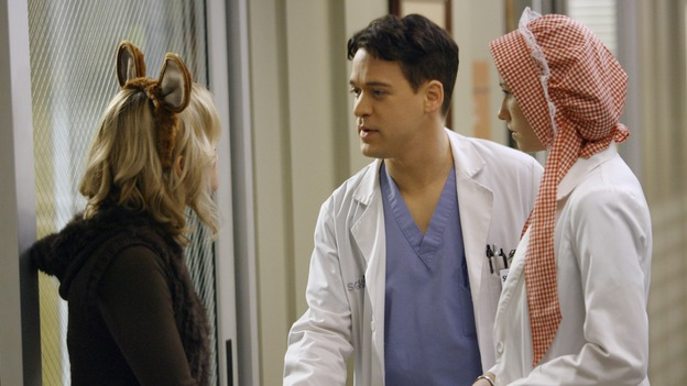 GREY'S ANATOMY - &quot;Haunt You Every Day&quot; - It's Halloween, and the day is full of surprises for the doctors of Seattle Grace - Alex receives an unexpected and welcome visit from his former patient, Ava/Rebecca, Meredith is convinced that her mother's ashes are haunting her, Cristina is snubbed by a surgeon she admires, and Callie announces George and Izzie's affair to their fellow doctors, on &quot;Grey's Anatomy,&quot; THURSDAY, OCTOBER 25 (9:00-10:02 p.m., ET) on the ABC Television Network. (ABC/SCOTT GARFIELD)BHAMA ROGET, T.R. KNIGHT, CHYLER LEIGH
