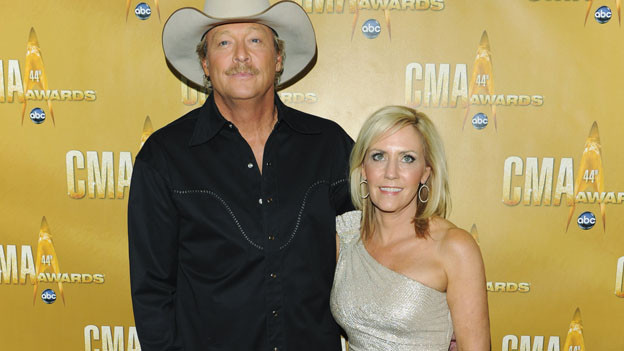 THE 44TH ANNUAL CMA AWARDS - RED CARPET ARRIVALS - &quot;The 44th Annual CMA Awards&quot; will be broadcast live from the Bridgestone Arena in Nashville, WEDNESDAY, NOVEMBER 10 (8:00-11:00 p.m., ET) on the ABC Television Network. (ABC/ANDREW WALKER)ALAN JACKSON