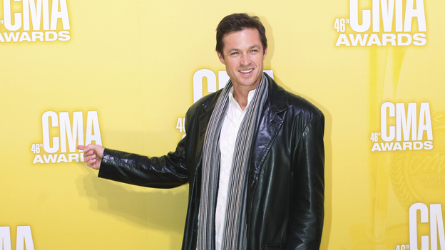"THE 46TH ANNUAL CMA AWARDS - RED CARPET ARRIVALS - ""The 46th Annual CMA Awards"" airs live THURSDAY, NOVEMBER 1 (8:00-11:00 p.m., ET) on ABC live from the Bridgestone Arena in Nashville, Tennessee. (ABC/SARA KAUSS)ERIC CLOSE"