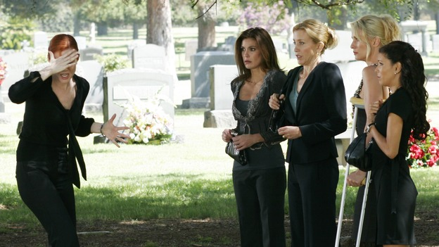 "DESPERATE HOUSEWIVES - ""They Asked Me Why I Believe in You"" -- Susan's longtime book agent and dear friend, Lonny Moon (guest star Wallace Shawn), gets into financial trouble; Lynette is forced to go out to bars night after night with her man-hungry boss, Nina (guest star Joely Fisher); Bree re-buries Rex amid police suspicions, and Gaby hires hotshot lawyer David Bradley (guest star Adrian Pasdar) to defend Carlos, on Desperate Housewives,"" SUNDAY, OCTOBER 23 (9:00-10:01 p.m., ET) on the ABC Television Network. (ABC/RON TOM)MARCIA CROSS, TERI HATCHER, FELICITY HUFFMAN, NICOLLETTE SHERIDAN, EVA LONGORIA"