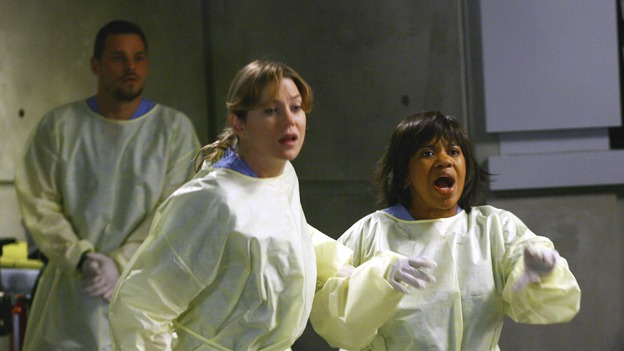 GREY'S ANATOMY - &quot;Dream a Little Dream of Me&quot; - Bailey and the residents see a crashed limo arrive at Seattle Grace, on &quot;Grey's Anatomy,&quot; THURSDAY, SEPTEMBER 25 (9:00-11:00 p.m., ET) on the ABC Television Network. (ABC/SCOTT GARFIELD) JUSTIN CHAMBERS, ELLEN POMPEO, CHANDRA WILSON