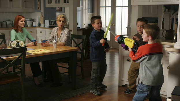 "DESPERATE HOUSEWIVES - ""CHILDREN WILL LISTEN "" (ABC/DANNY FELD) MARCIA CROSS, FELICITY HUFFMAN, BRENT KINSMAN, SHANE KINSMAN, ZANE HUETT"