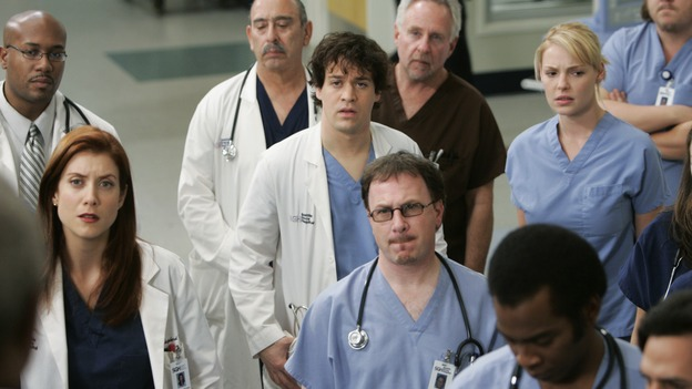 "GREY'S ANATOMY - ""It's the End of the World (As We Know It)"" (ABC/PETER ""HOPPER"" STONE)KATE WALSH, T.R. KNIGHT, KATHERINE HEIGL"