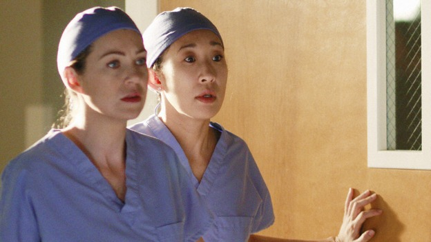 "GREY'S ANATOMY - ""In The Midnight Hour"" - Meredith, Cristina and Bailey come to Lexie and Sadie's rescue when a routine surgery goes horribly wrong, on ""Grey's Anatomy,"" THURSDAY, NOVEMBER 20 (9:00-10:01 p.m., ET) on the ABC Television Network.  (ABC/RON TOM) ELLEN POMPEO, SANDRA OH, CHYLER LEIGH"