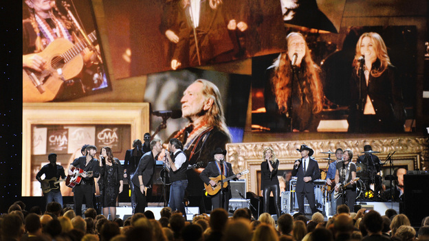 "THE 46TH ANNUAL CMA AWARDS - THEATRE - ""The 46th Annual CMA Awards"" airs live THURSDAY, NOVEMBER 1 (8:00-11:00 p.m., ET) on ABC live from the Bridgestone Arena in Nashville, Tennessee. (ABC/KATHERINE BOMBOY-THORNTON)LADY ANTEBELLUM, BLAKE SHELTON, WILLIE NELSON, FAITH HILL, TIM MCGRAW, KEITH URBAN"