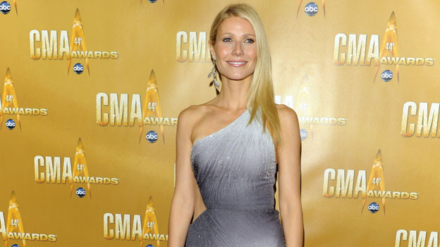 "THE 44TH ANNUAL CMA AWARDS - RED CARPET ARRIVALS - ""The 44th Annual CMA Awards"" will be broadcast live from the Bridgestone Arena in Nashville, WEDNESDAY, NOVEMBER 10 (8:00-11:00 p.m., ET) on the ABC Television Network. (ABC/ANDREW WALKER)GWYNETH PALTROW"