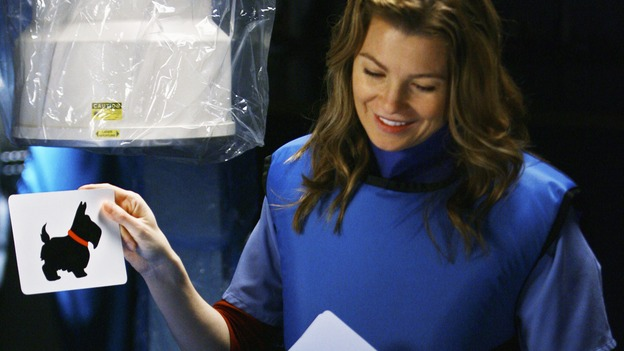 "GREY'S ANATOMY - ""Here's to Future Days"" - Meredith playfully quizzes her friend Izzie Stevens before a critical brain test, on ""Grey's Anatomy,"" THURSDAY, MAY 14 (9:00-11:00 p.m., ET) on the ABC Television Network. KATHERINE HEIGL, ELLEN POMPEO"