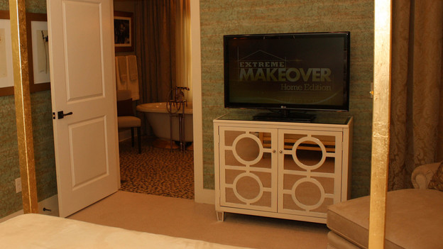 EXTREME MAKEOVER HOME EDITION - &quot;Rucker Family,&quot; - Master Bedroom Picture,      on   &quot;Extreme Makeover Home Edition,&quot; Sunday, October 9th         (8:00-9:00   p.m.  ET/PT) on the ABC Television Network.