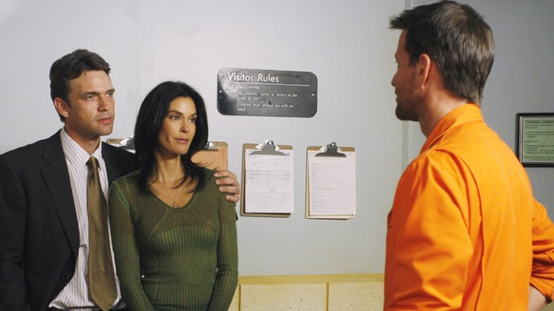 "DESPERATE HOUSEWIVES - ""Come Play Wiz Me"" - Mike gets a visit from Susan and Ian, on ""Desperate Housewives,"" SUNDAY, JANUARY 21 (9:00-10:01 p.m., ET) on the ABC Television Network. (ABC/RON TOM) DOUGRAY SCOTT, TERI HATCHER, JAMES DENTON"