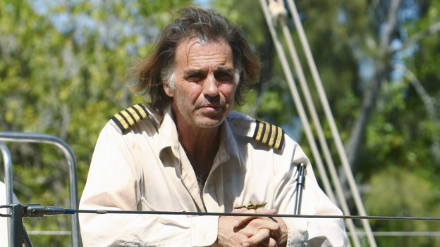 "LOST - ""The Last Recruit"" - Alliances are forged and broken as the Locke and Jack camps merge, on ""Lost,"" TUESDAY, APRIL 20 (9:00-10:02 p.m., ET) on the ABC Television Network. (ABC/MARIO PEREZ) JEFF FAHEY"